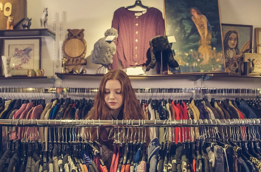 How To Sell Clothes Online And Make Money From Home Remote Bliss
